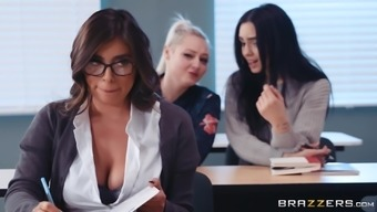 Busty Teen In A Miniskirt Ella Knox Sprayed With Cum On Glasses