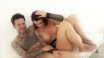 Check Out Topless Porn Actress Ivy Lebelle And Her Partner Backstage